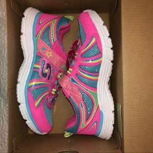 NWT Skechers Girls size 2 Sneaker Athletic Shoe